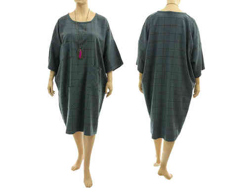 Great wide shaped dress, checkered wool in blue-teal L-XXXL