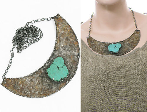 Lagenlook handmade necklace crescent-shaped - turquoise Howlite